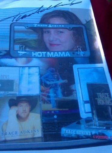 7 Trace's autogragh on my CD winner pix